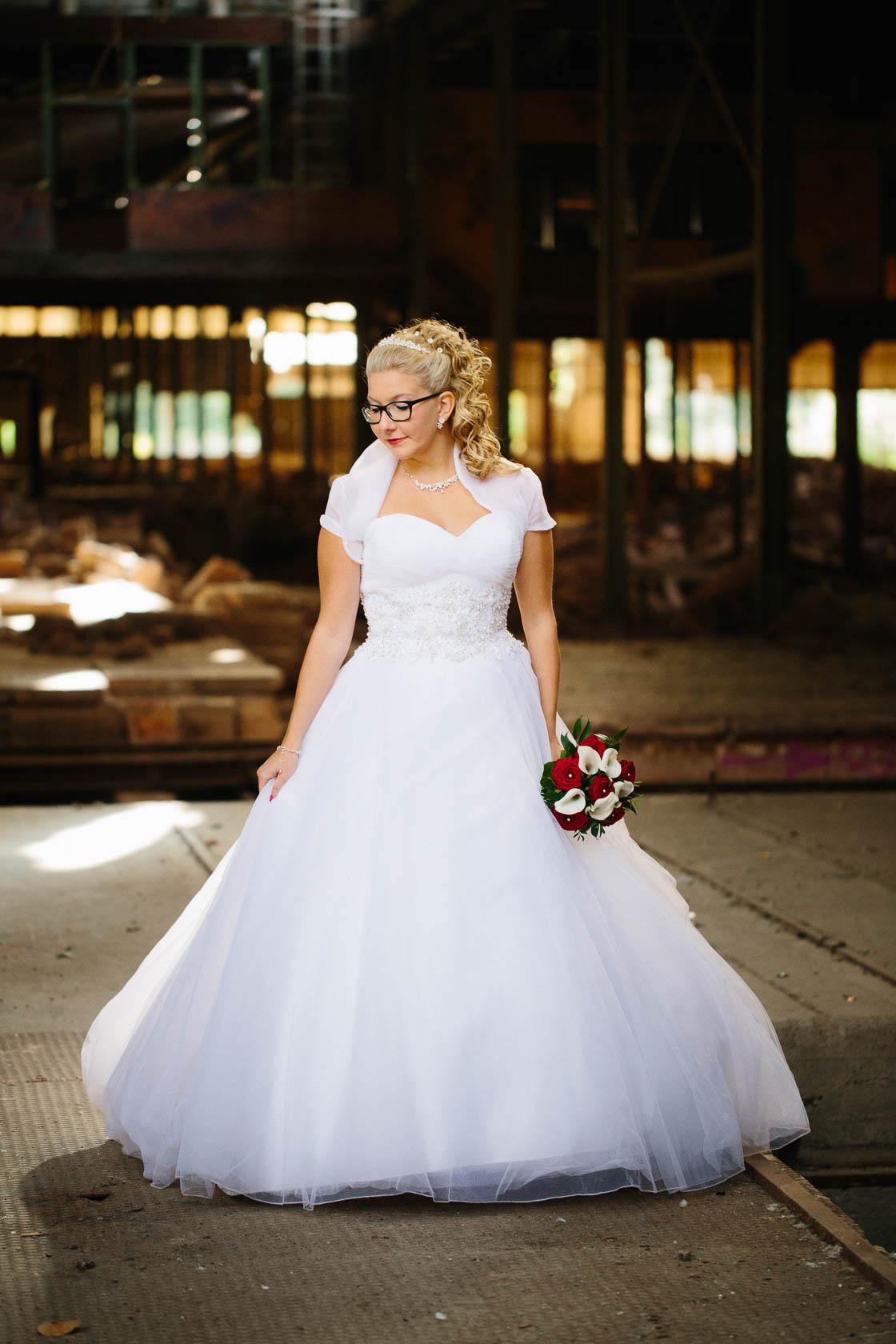 After Wedding Shoot Eileen und Christoph Hochzeitsfotos Brautfoto Alte Fabrik Raum Mannheim