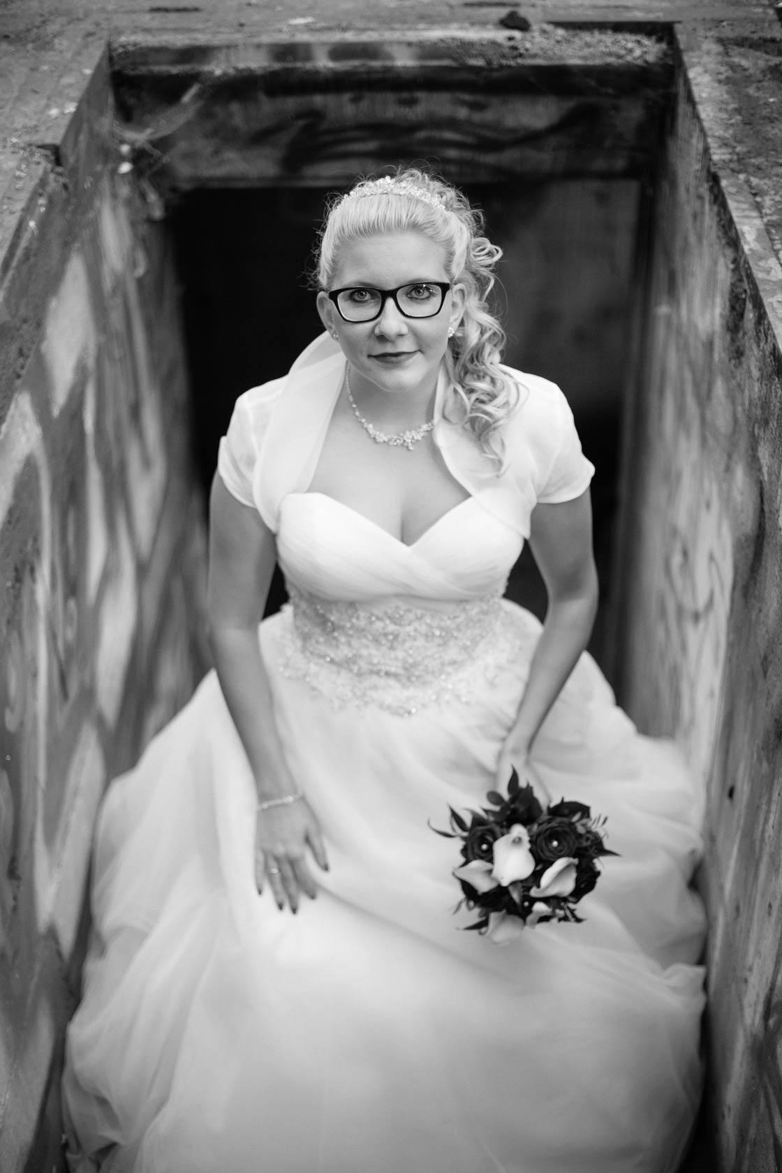 After Wedding Shoot Eileen und Christoph Hochzeitsfotos Brautfotos Brautportrait Alte Fabrik Raum Mannheim
