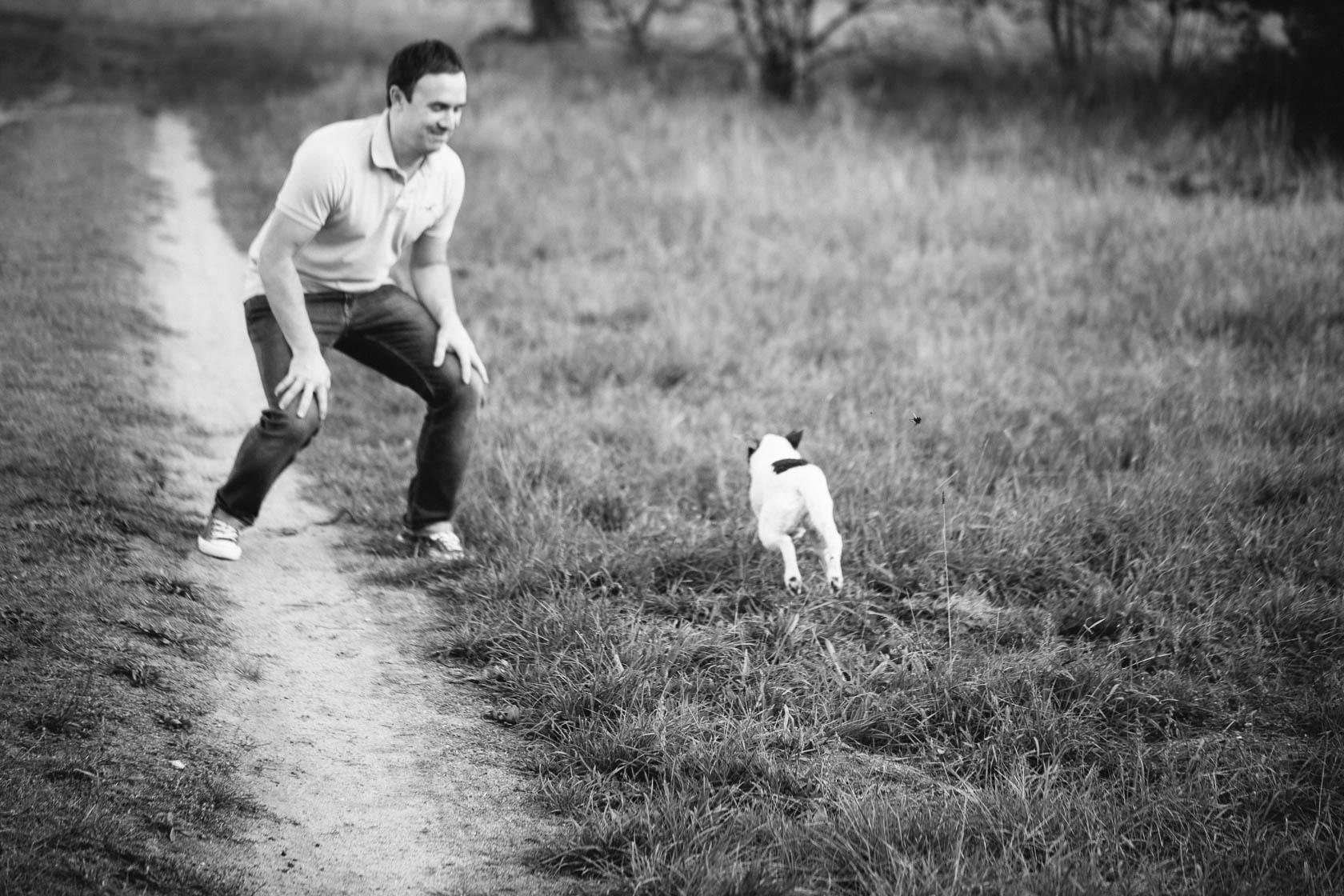 Paarfotos mit Hund in der Natur