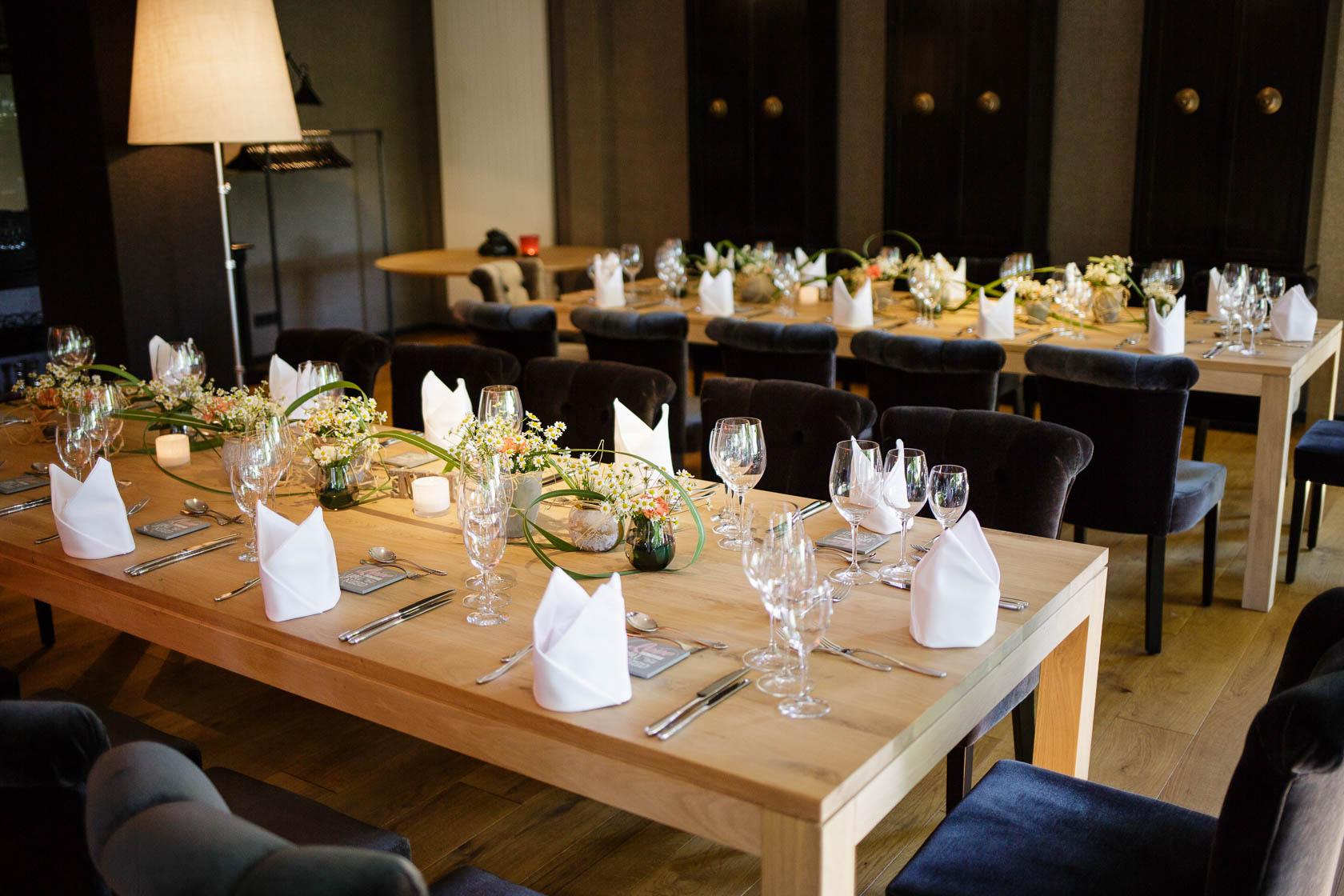 Standesamtliche Trauung von Fabienne und Manuel in Wiesloch Hotel Mondial in Wiesloch Tischdekoration