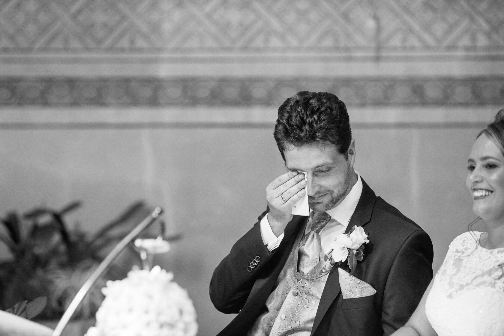 Blauweiße Hochzeit in Bad Kreuznach Stimmung Emotionen während der Hochzeit in Norheim an der Nahe
