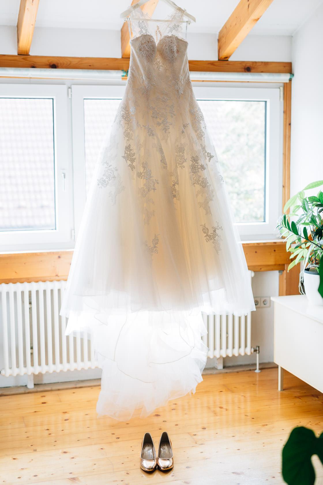 Boho Hochzeit in Waghaeusel Getting Ready Braut