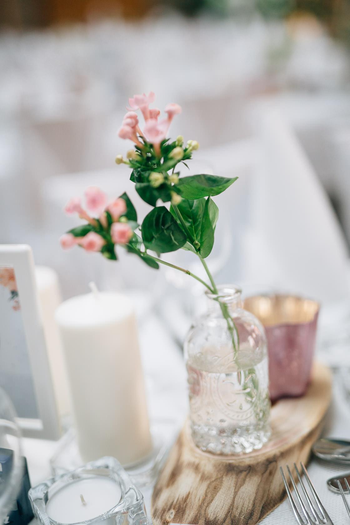 Boho Hochzeit in Waghaeusel Dekoration und Details Gasthaus Einhorn Philippsburg