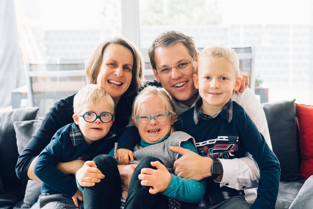 Familienfotograf Karlsruhe Familien mit Kindern mit Handicap Familienfotograf Karlsruhe Familien mit Kindern mit Handicap 1 28
