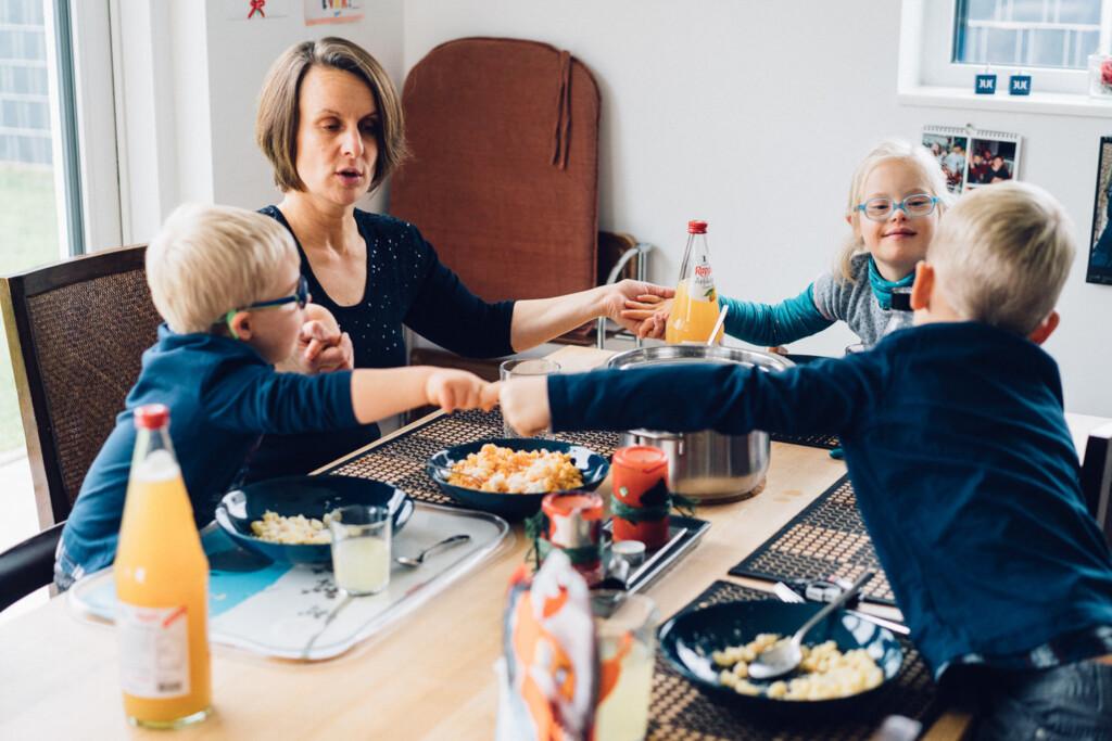 Familienfotograf Karlsruhe Familien mit Kindern mit Handicap Familienfotograf Karlsruhe Familien mit Kindern mit Handicap 1 35
