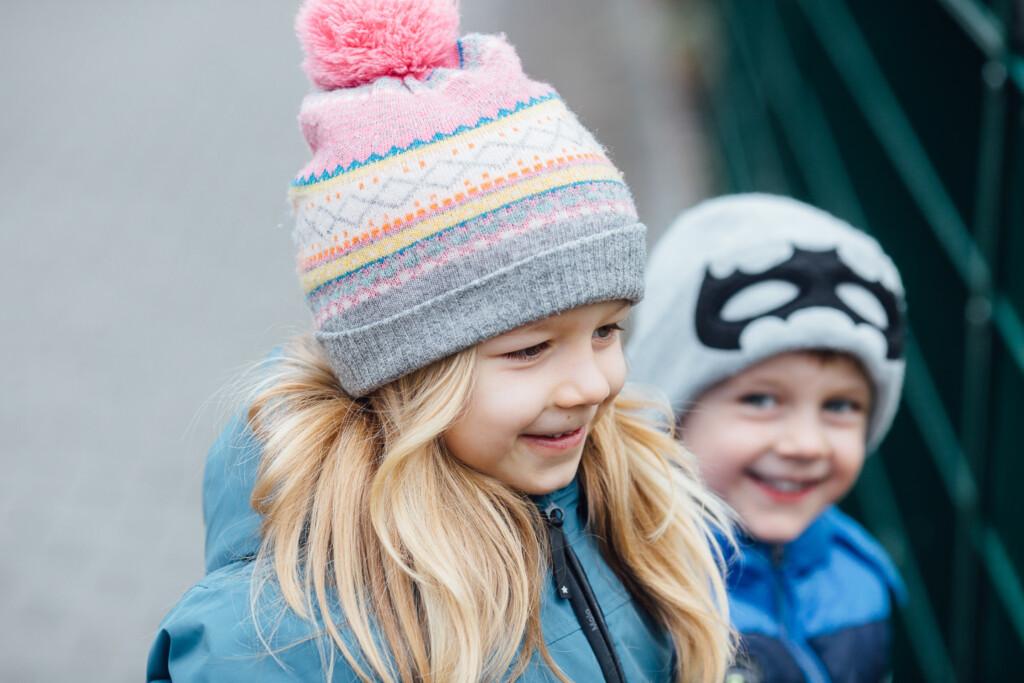 Familienfotografie Speyer Kinderfotos mit Mütze