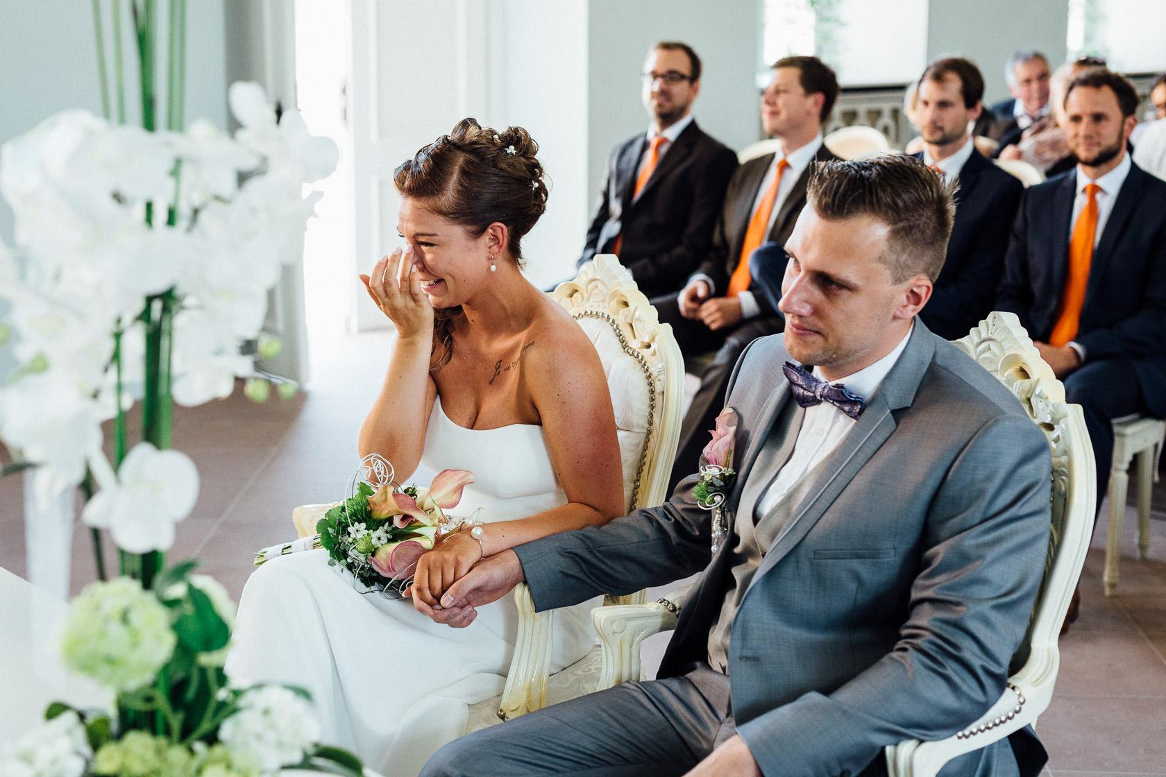 Freie Trauung Jenny und Mathias im Schloss Schwetzingen Emotionale Momente bei Hochzeit