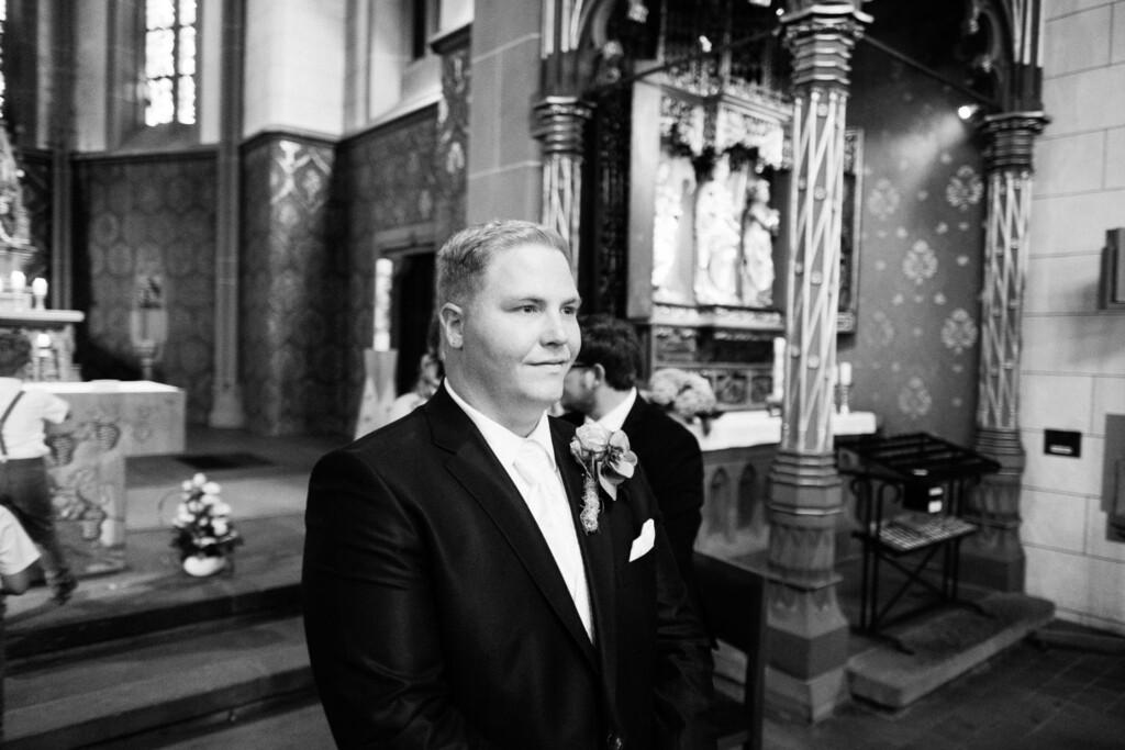 Hochzeitsfotograf Mainz Laubenheimer Höhe und Bingen Rochuskapelle Hochzeitsfotograf Mainz Laubenheimer Hoehe Kerstin Marcel Hochzeitsfotografie Bingen Rochuskappelle 17
