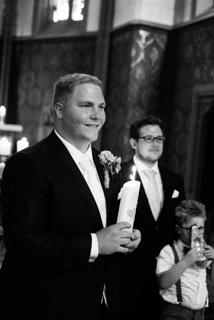 Hochzeitsfotograf Mainz Laubenheimer Höhe und Bingen Rochuskapelle Hochzeitsfotograf Mainz Laubenheimer Hoehe Kerstin Marcel Hochzeitsfotografie Bingen Rochuskappelle 27