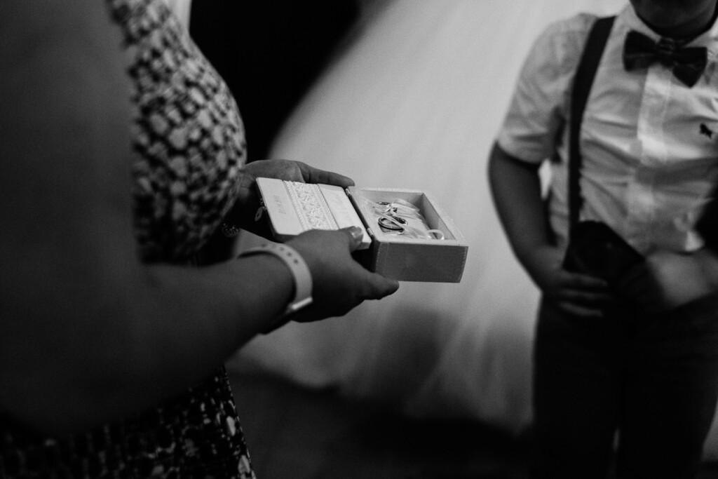 Hochzeitsfotograf Mainz Laubenheimer Höhe und Bingen Rochuskapelle Hochzeitsfotograf Mainz Laubenheimer Hoehe Kerstin Marcel Hochzeitsfotografie Bingen Rochuskappelle 32