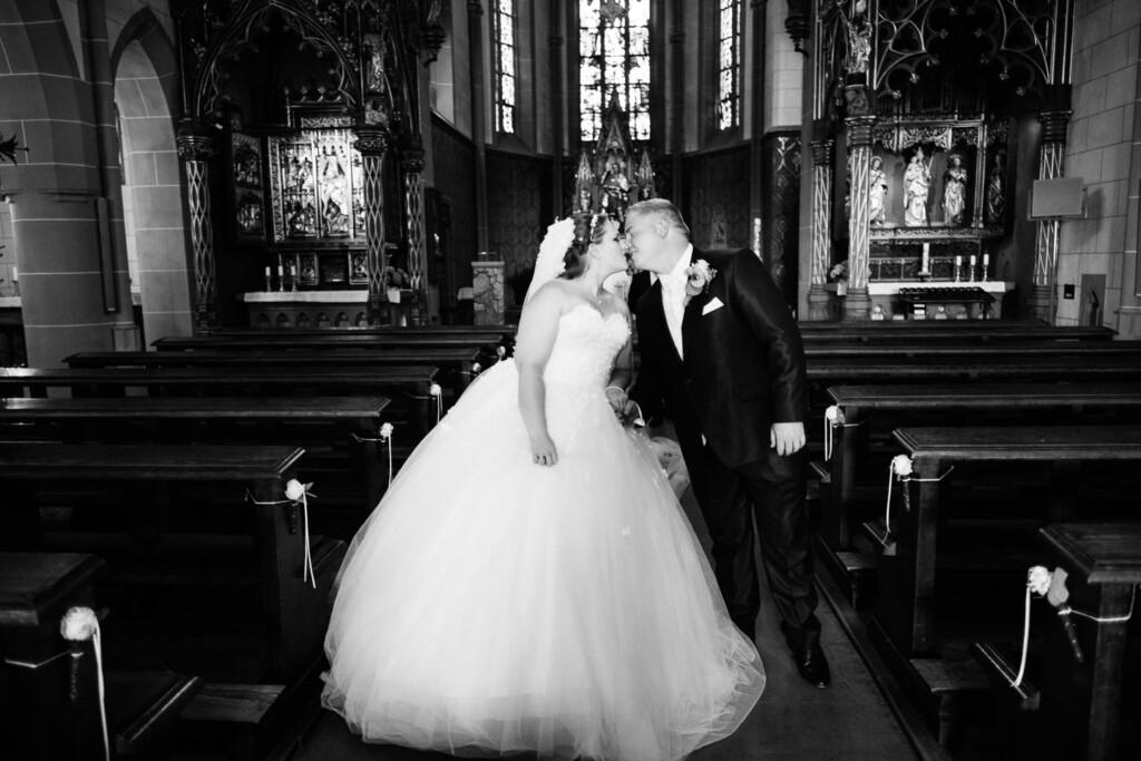 Hochzeitsfotograf Mainz Laubenheimer Höhe und Bingen Rochuskapelle Hochzeitsfotograf Mainz Laubenheimer Hoehe Kerstin Marcel Hochzeitsfotografie Bingen Rochuskappelle 38
