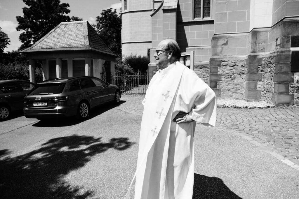 Hochzeitsfotograf Mainz Laubenheimer Höhe und Bingen Rochuskapelle Hochzeitsfotograf Mainz Laubenheimer Hoehe Kerstin Marcel Hochzeitsfotografie Bingen Rochuskappelle 40