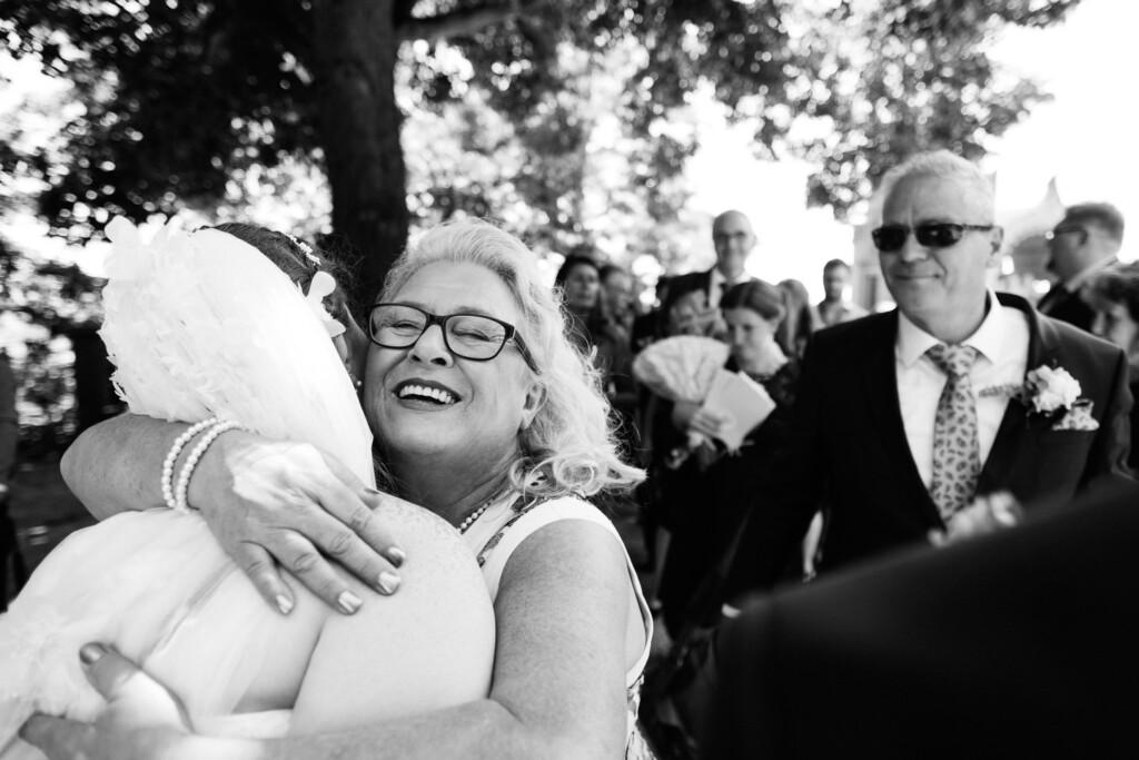 Hochzeitsfotograf Mainz Laubenheimer Höhe und Bingen Rochuskapelle Hochzeitsfotograf Mainz Laubenheimer Hoehe Kerstin Marcel Hochzeitsfotografie Bingen Rochuskappelle 42