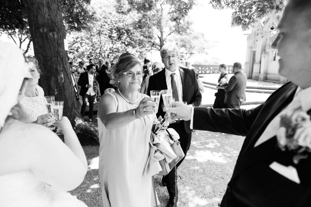 Hochzeitsfotograf Mainz Laubenheimer Höhe und Bingen Rochuskapelle Hochzeitsfotograf Mainz Laubenheimer Hoehe Kerstin Marcel Hochzeitsfotografie Bingen Rochuskappelle 46