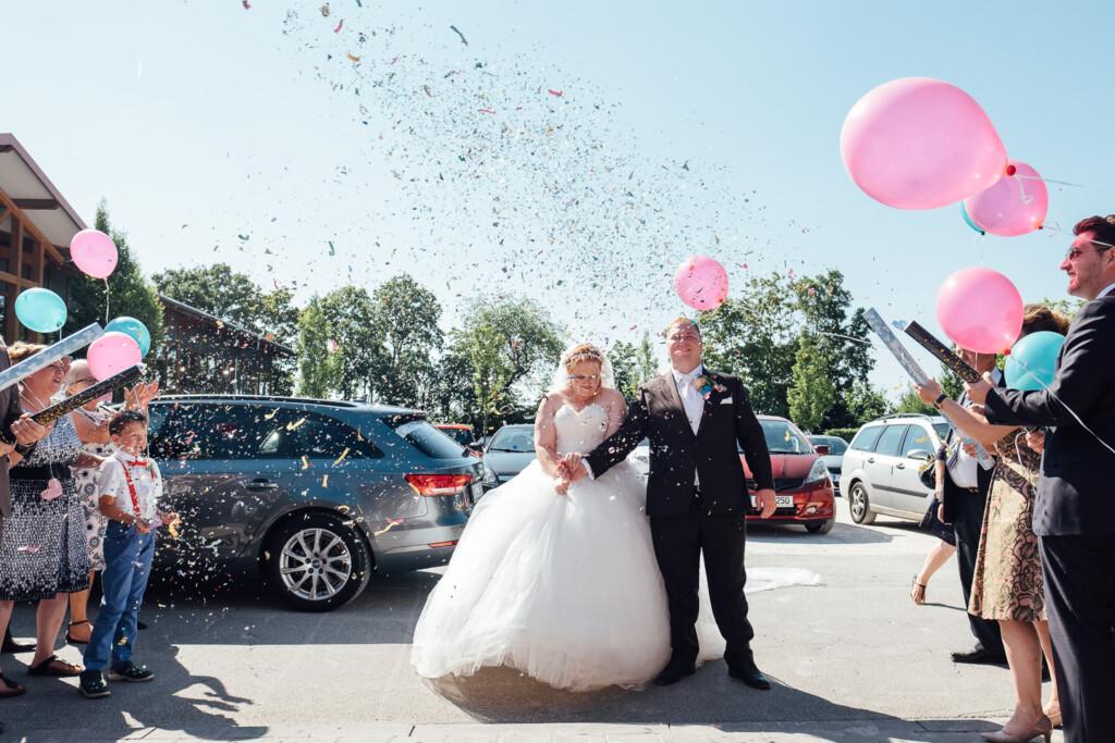 Hochzeitsfotograf Mainz Laubenheimer Höhe und Bingen Rochuskapelle Hochzeitsfotograf Mainz Laubenheimer Hoehe Kerstin Marcel Hochzeitsfotografie Bingen Rochuskappelle 62