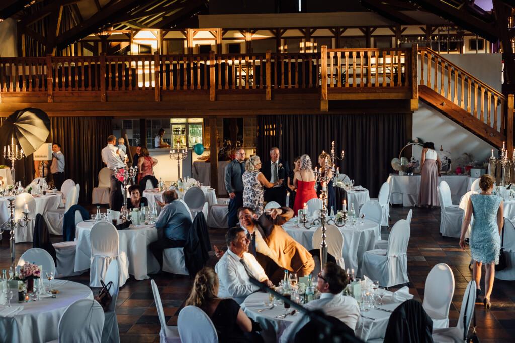 Hochzeitsfotograf Mainz Laubenheimer Höhe und Bingen Rochuskapelle Hochzeitsfotograf Mainz Laubenheimer Hoehe Kerstin Marcel Hochzeitsfotografie Bingen Rochuskappelle 86